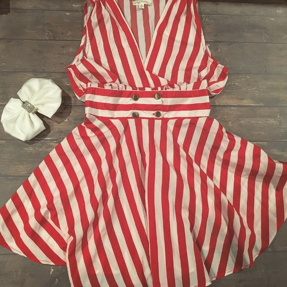 Dresses & Skirts - Vintage inspired red striped dress Small